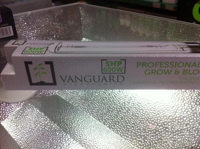 Bombilla 600w VANGUARD HORTIMAX Agro-Mixta para el cultivo de Cannabis en Interior- Indoor 1
